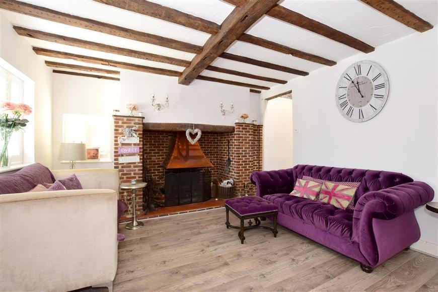 4 Bedrooms Detached House for sale in Maidstone Road, Paddock Wood, Tonbridge, Kent