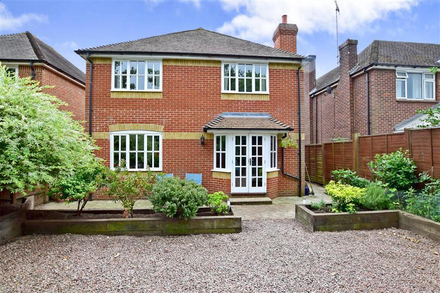 4 Bedrooms Detached House for sale in Old Road, East Peckham, Tonbridge, Kent