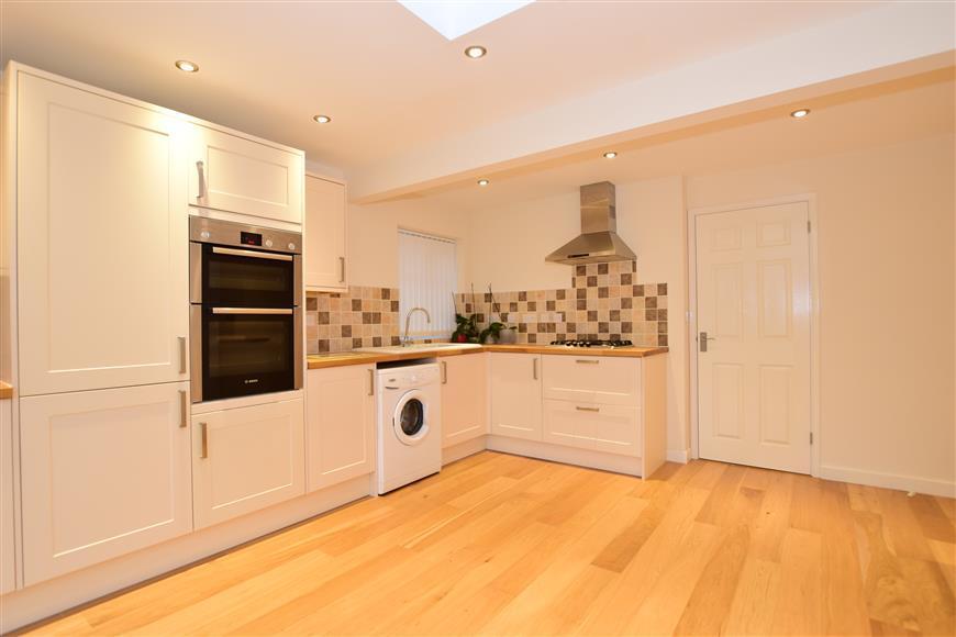 2 Bedrooms Semi Detached Bungalow for sale in Mierscourt Close, Rainham, Gillingham, Kent