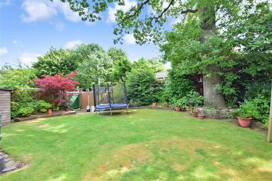 4 Bedrooms Detached House for sale in Chapel Lane, Hempstead, Gillingham, Kent