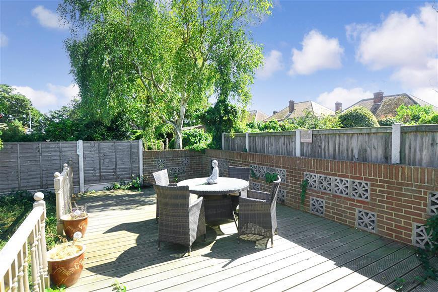 2 Bedrooms Semi Detached Bungalow for sale in Wickham Avenue, Ramsgate, Kent