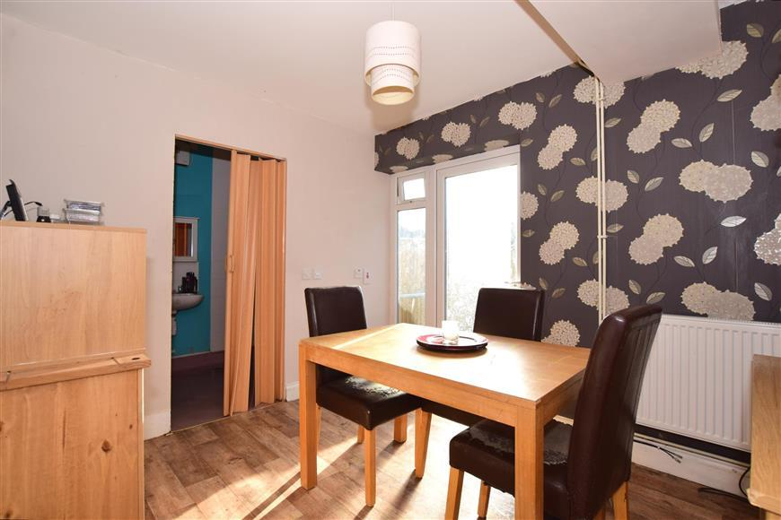 3 Bedrooms Semi Detached House for sale in Rockstone Way, Ramsgate, Kent