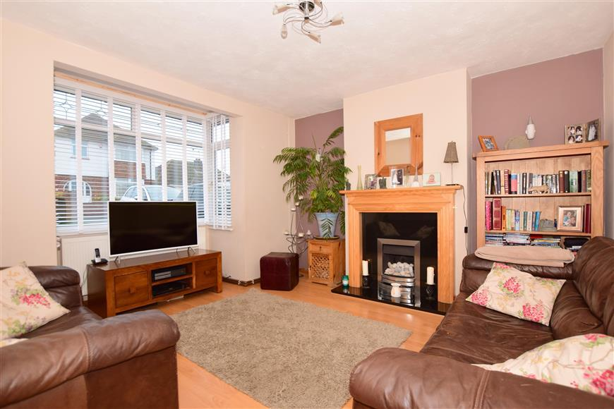 4 Bedrooms Detached House for sale in Pinewood Close, Ramsgate, Kent