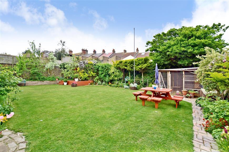 9 Bedrooms Detached House for sale in Hollicondane Road, Ramsgate, Kent