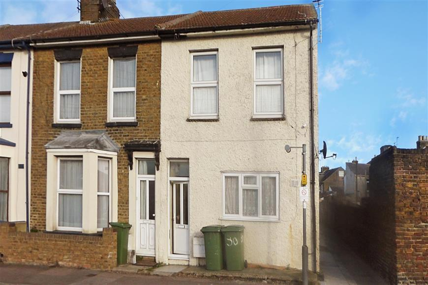 2 Bedrooms Ground Flat for sale in Trinity Road, Sheerness, Kent