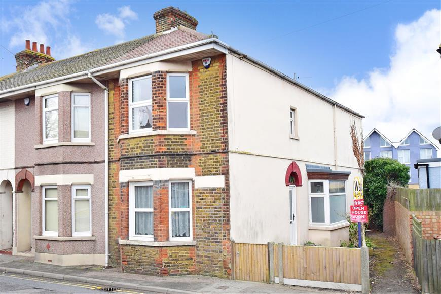 3 Bedrooms End Of Terrace House for sale in Marine Parade, Sheerness, Kent
