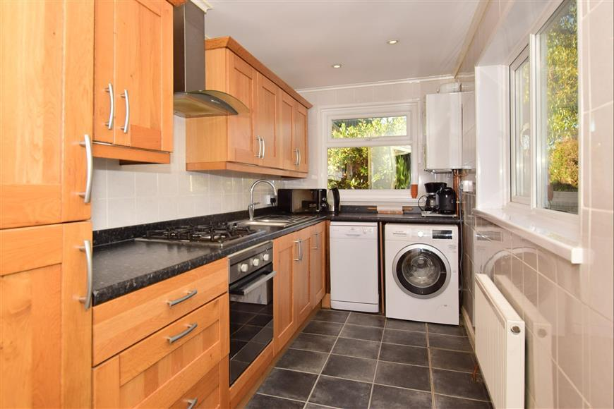 3 Bedrooms End Of Terrace House for sale in Carlton Avenue, Sheerness, Kent