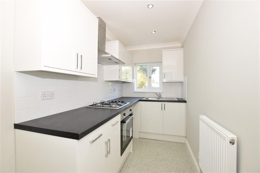 3 Bedrooms Terraced House for sale in St. Georges Avenue, Sheerness, Kent