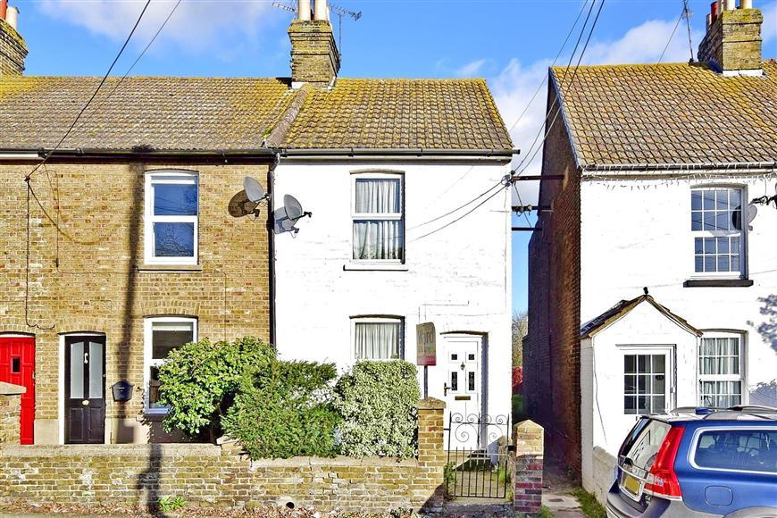 3 Bedrooms End Of Terrace House for sale in Eastwood Cottages, Conyer, Sittingbourne, Kent