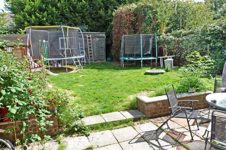 3 Bedrooms Semi Detached House for sale in Sheerstone, Iwade, Sittingbourne, Kent