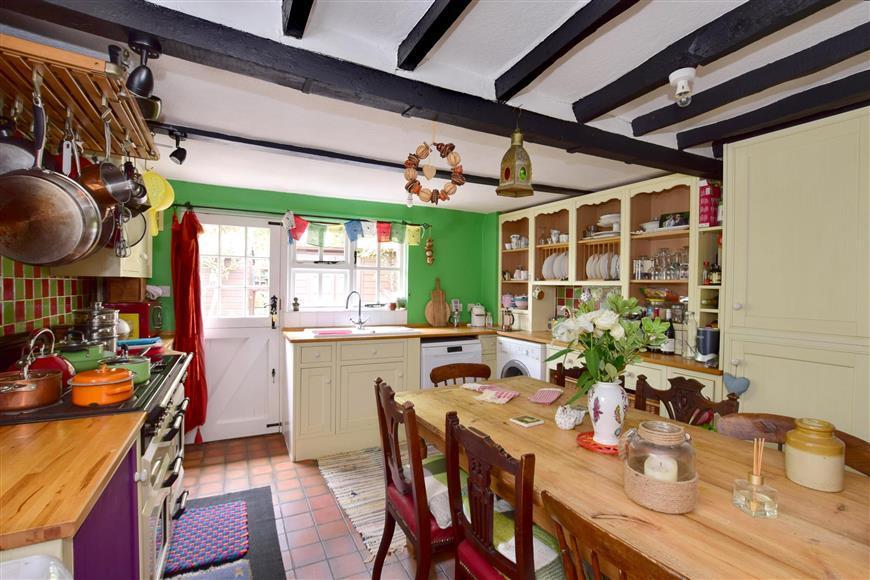 2 Bedrooms Unique Property for sale in Cranbrook Road, Goudhurst, Kent