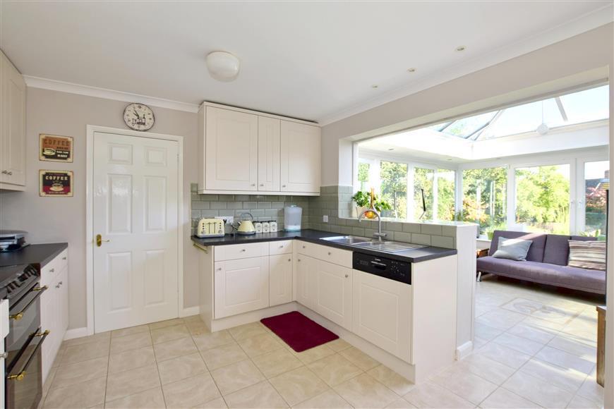 4 Bedrooms Detached House for sale in Cranbrook Road, Goudhurst Cranbrook, Kent