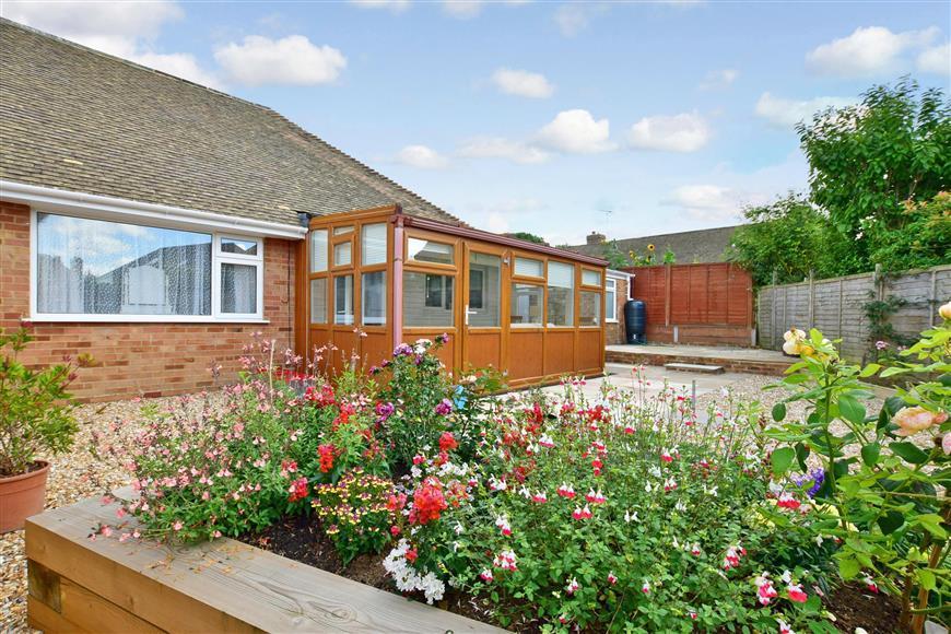 2 Bedrooms Semi Detached Bungalow for sale in Wealden Avenue, St. Michaels, Tenterden, Kent