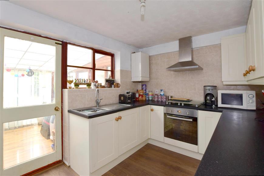 2 Bedrooms Semi Detached House for sale in Gybbons Road, Rolvenden, Cranbrook, Kent