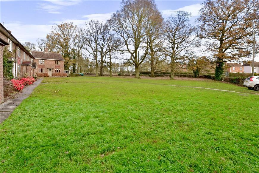 3 Bedrooms End Of Terrace House for sale in Maytham Road, Rolvenden Layne, Cranbrook, Kent