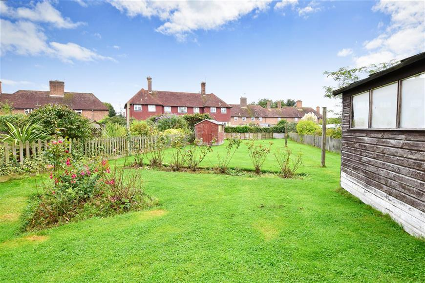 4 Bedrooms Terraced House for sale in Sparkes Wood Avenue, Rolvenden, Kent