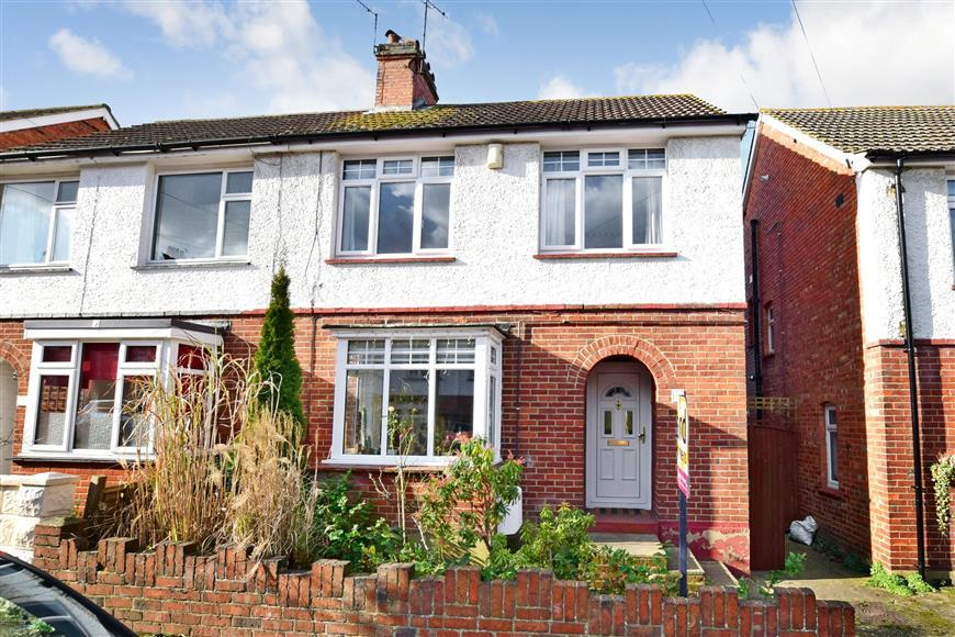 3 Bedrooms Semi Detached House for sale in Lionel Road, Tonbridge, Kent
