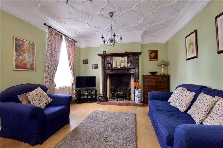 5 Bedrooms Semi Detached House for sale in St. Marys Road, Tonbridge, Kent