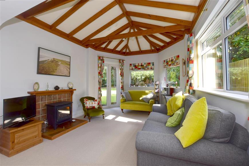 5 Bedrooms Detached House for sale in Weald View Road, Tonbridge, Kent