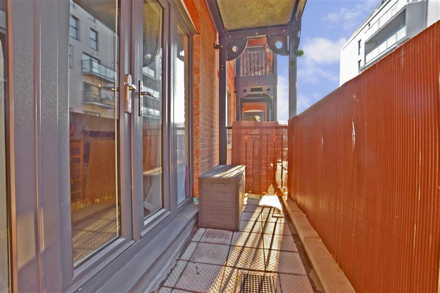 1 Bedroom Flat for sale in Cannons Wharf, Tonbridge, Kent