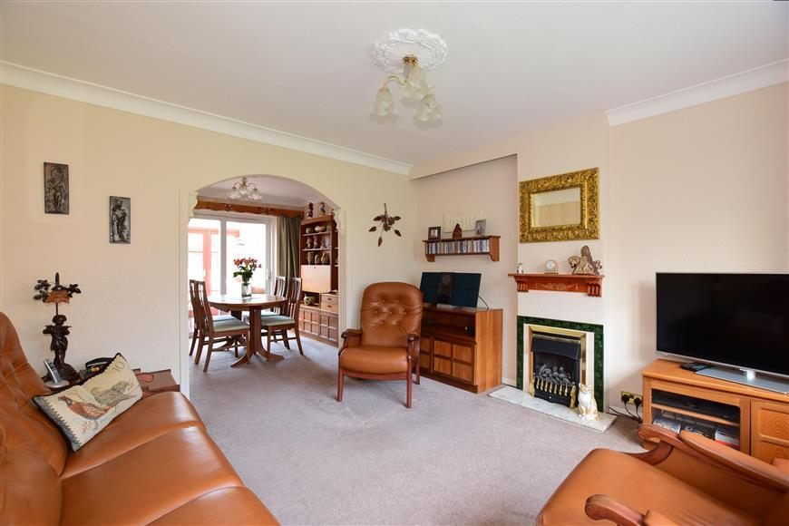 3 Bedrooms Semi Detached House for sale in Boxley Road, Walderslade, Chatham, Kent