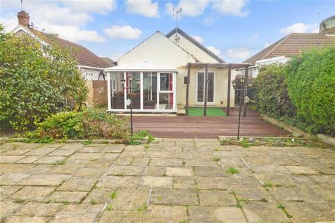 2 bedroom detached bungalow for sale - Glenmore Road, Welling, Kent