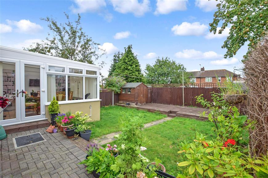 2 Bedrooms Semi Detached Bungalow for sale in Edison Road, Welling, Kent