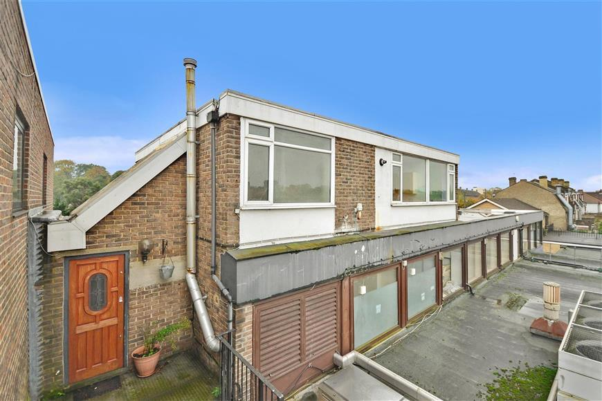 1 Bedroom Flat for sale in Park View Road, Welling, Kent