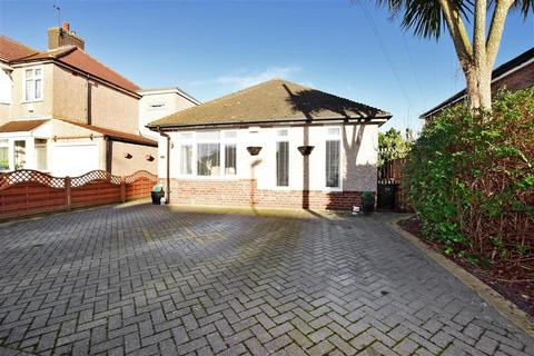 3 bedroom detached bungalow for sale - Cumberland Avenue, Welling, Kent