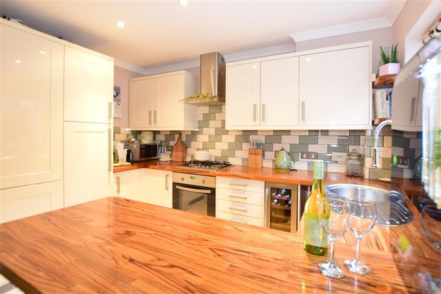 3 Bedrooms Detached House for sale in Emelina Way, Whitstable, Kent