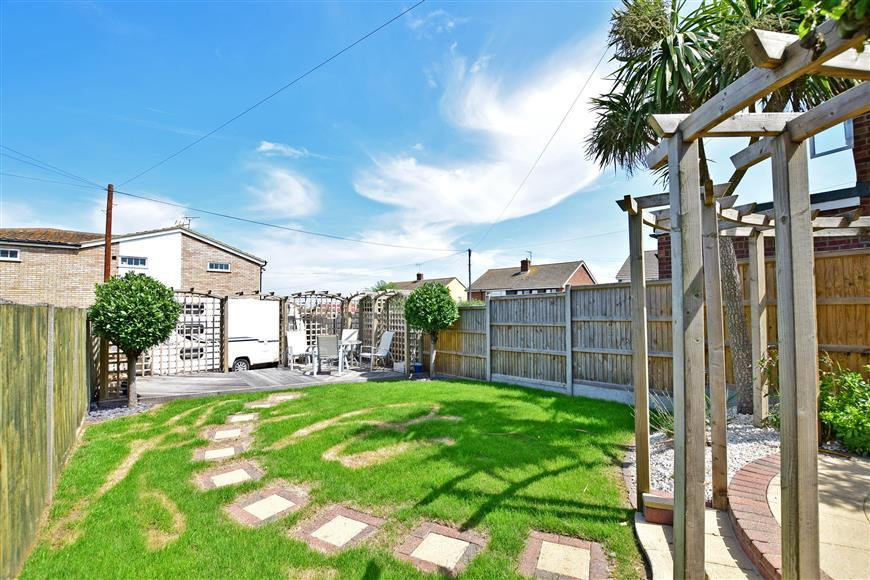 3 Bedrooms Semi Detached House for sale in Highgate Road, Whitstable, Kent