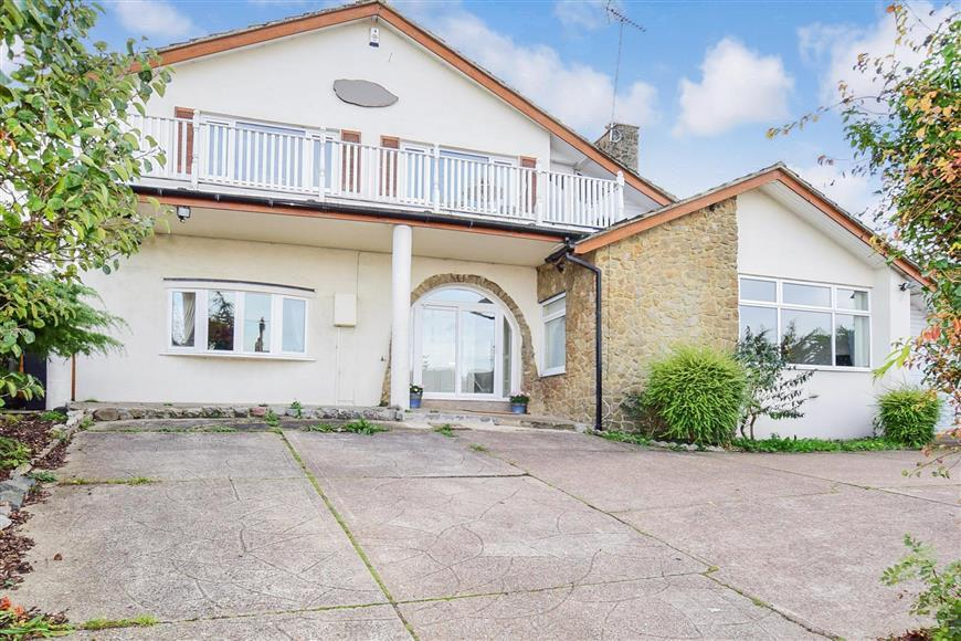 4 Bedrooms Detached House for sale in Pierpoint Road, Whitstable, Kent