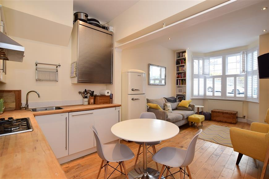 2 Bedrooms Ground Maisonette Flat for sale in Lowther Road, Brighton, East Sussex
