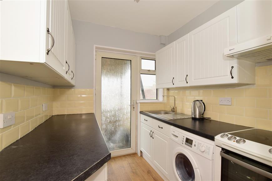 3 Bedrooms Semi Detached House for sale in Medmerry Hill, Brighton, East Sussex