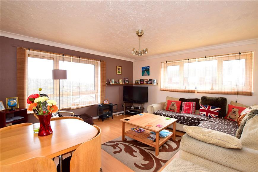 3 Bedrooms Flat for sale in Dartmouth Crescent, Brighton, East Sussex