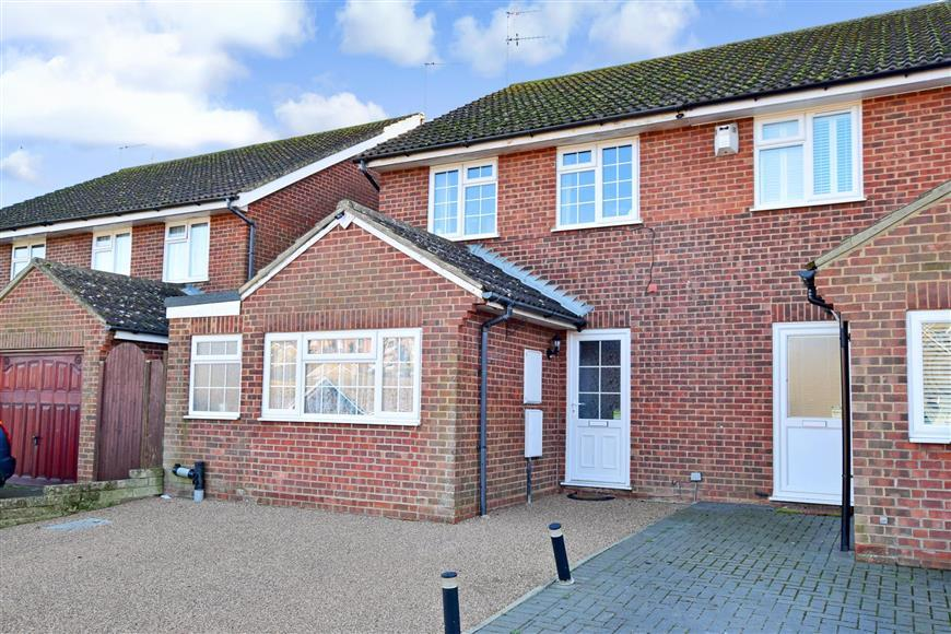 3 Bedrooms Semi Detached House for sale in Valley Road, Newhaven, East Sussex