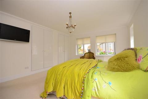4 bedroom bungalow for sale - Marine Drive, Saltdean, Brighton, East Sussex