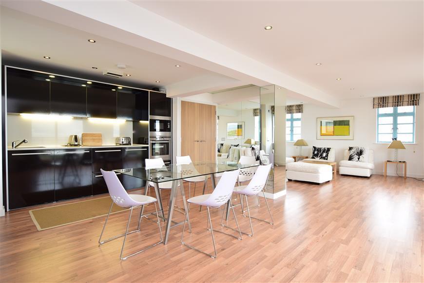 2 Bedrooms Apartment Flat for sale in Longridge Avenue, Saltdean, Brighton, East Sussex