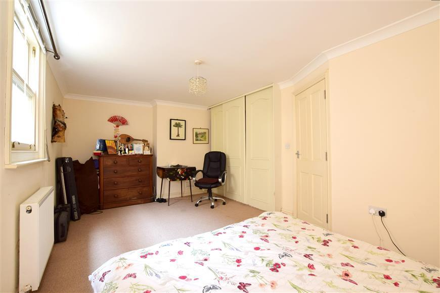 2 Bedrooms Terraced House for sale in Montpelier Road, Brighton, East Sussex