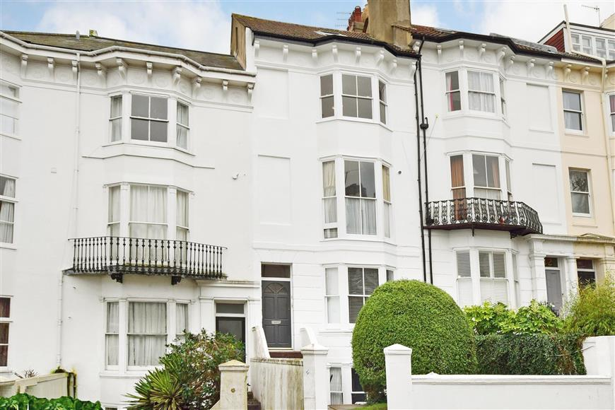 2 Bedrooms Flat for sale in Buckingham Place, Brighton, East Sussex