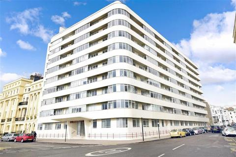 3 bedroom apartment for sale - Kings Road, Brighton, East Sussex