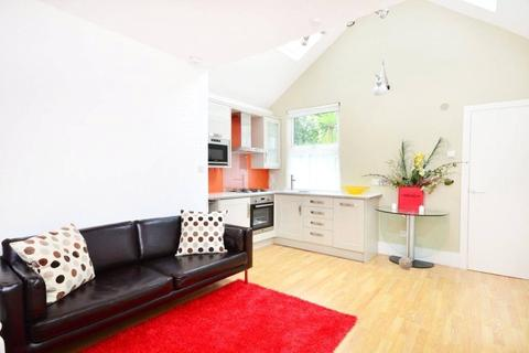 1 bedroom flat to rent - St. Pauls Avenue, London