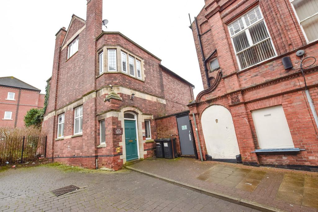 3 Bedrooms Apartment Flat for sale in Huxloe Place, Kettering