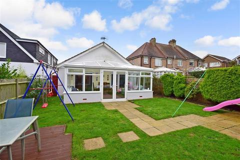 3 bedroom detached bungalow for sale - Seaview Road, Woodingdean, Brighton, East Sussex