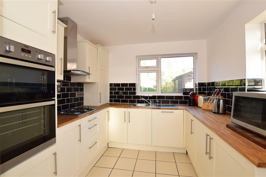 3 Bedrooms Bungalow for sale in Cowley Drive, Woodingdean, Brighton, East Sussex