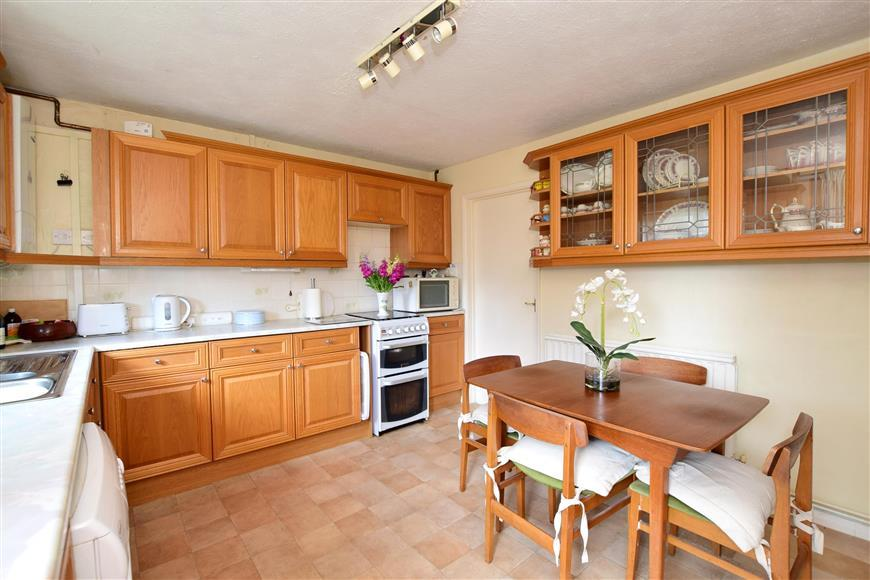 5 Bedrooms Semi Detached House for sale in Falmer Gardens, Woodingdean, Brighton, East Sussex