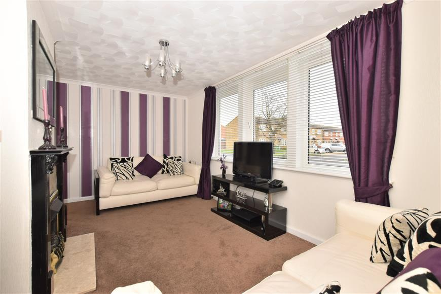 2 Bedrooms Semi Detached House for sale in Marks Road, Fareham, Hampshire