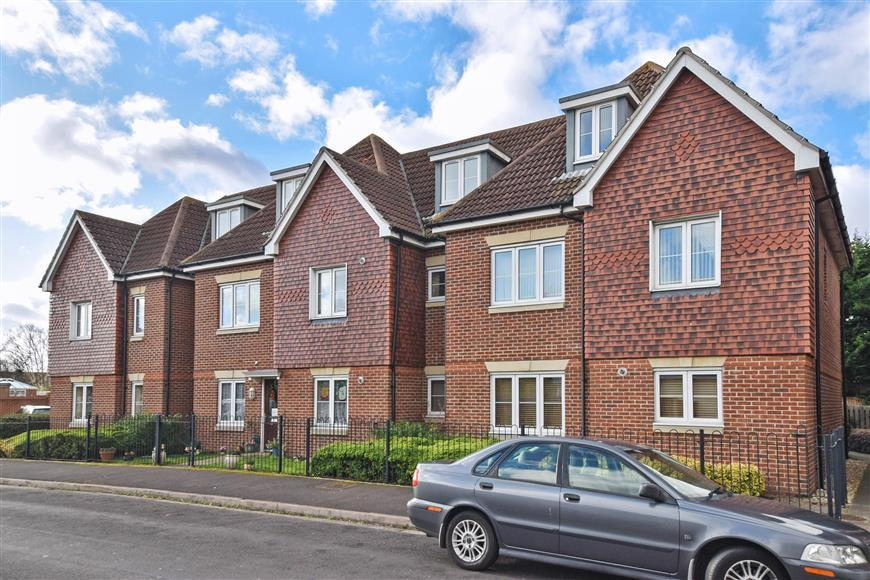 2 Bedrooms Flat for sale in Nelson Avenue, Fareham, Hampshire