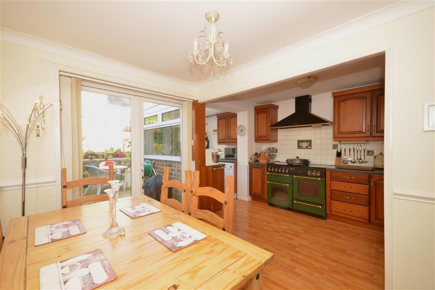 3 Bedrooms Terraced House for sale in Harting Gardens, Fareham, Hampshire