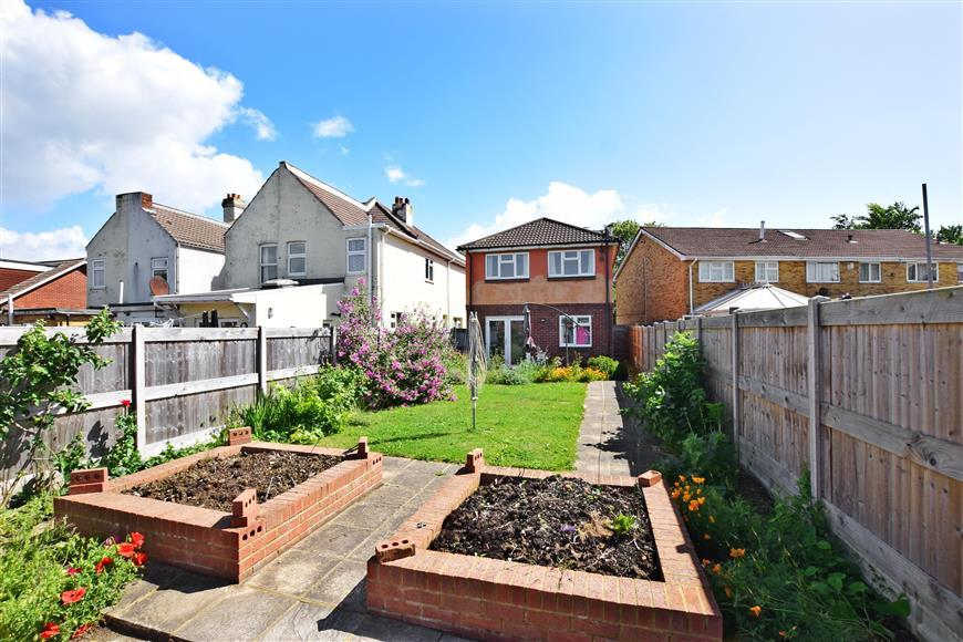 4 Bedrooms Detached House for sale in Fareham Road, Gosport, Hampshire
